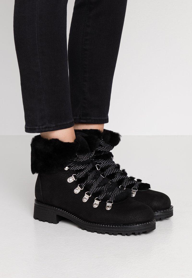 J.CREW - NORDIC - Winter boots - black