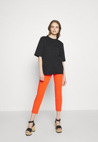 J.CREW - CAMERON PANT SEASONLESS STRETCH - Trousers - brilliant sunset - 1