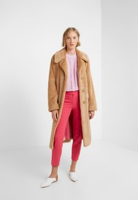 J.CREW - CAMERON PANT SEASONLESS STRETCH - Pantalon classique - bright rose - 1