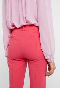 J.CREW - CAMERON PANT SEASONLESS STRETCH - Pantalon classique - bright rose - 5