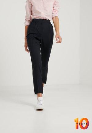 PLEATED PANTS - Pantaloni - deepest navy