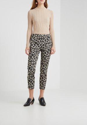 MARTIE PANT - Spodnie materiałowe - graphite/grey