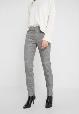 FULL LENGTH CAMERON PANT IN GLEN PLAID - Kalhoty - black/blue/ivory