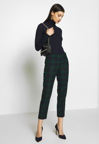 J.CREW - CAMERON IN BLACKWATCH - Trousers - navy multi - 1