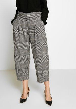 CARROT PANT - Trousers - navy/caramel