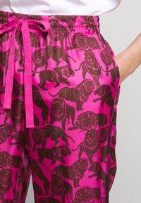 J.CREW - BAEZ LIONS - Trousers - fuchsia/brown - 6