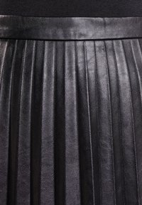 J.CREW - A-line skirt - black - 3