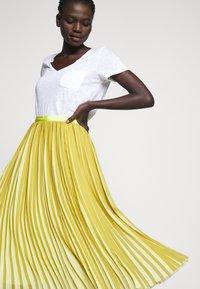 J.CREW - DEE SKIRT STRIPED - A-line skirt - golden citrus - 4