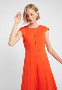 J.CREW - MATHILDE DRESS STRETCH SUITING - Vestido ligero - bold red - 4