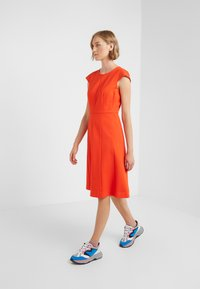 J.CREW - MATHILDE DRESS STRETCH SUITING - Vestido ligero - bold red - 1
