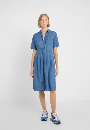REDBURY DRESS CHAMBRAY - Shirt dress - lakeshore blue