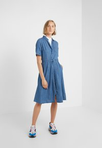 J.CREW - REDBURY DRESS CHAMBRAY - Sukienka koszulowa - lakeshore blue - 1