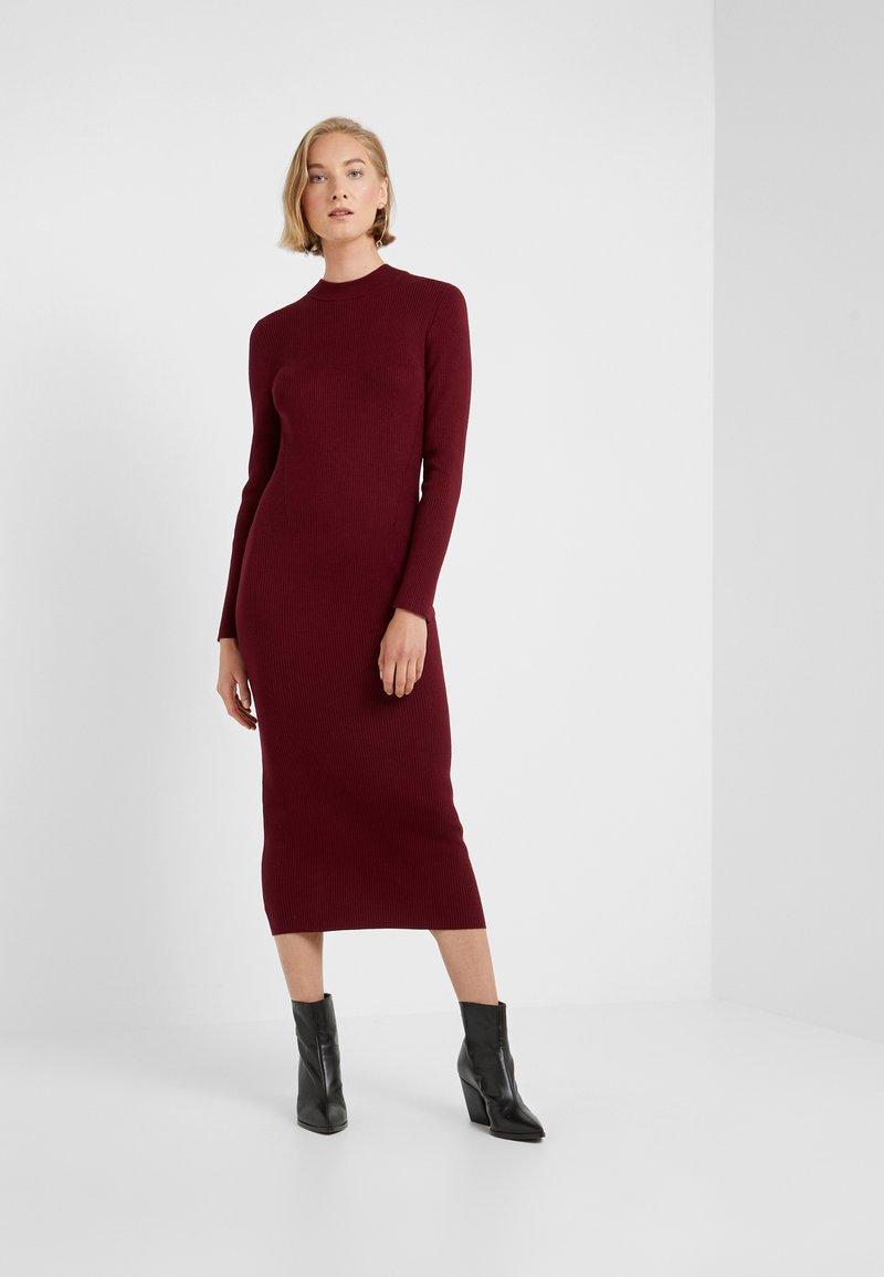 J.CREW - TRAVEL RIB DRESS - Strickkleid - vintage burgundy