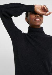 J.CREW - SUPERSOFT TURTLENECK DRESS - Gebreide jurk - black - 3
