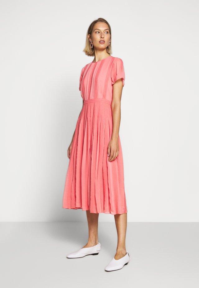 JUDY DRESS - Day dress - bright coral