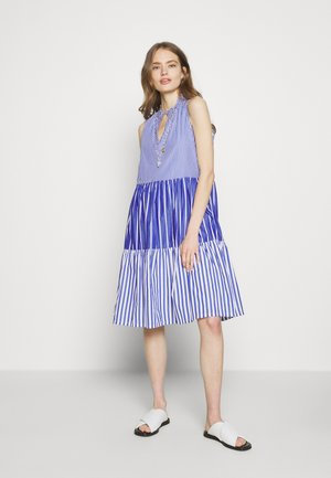 MIXY STRIPE TIERED MIDI - Denní šaty - blue multi