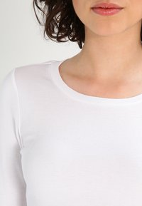 J.CREW - SLIM PERFECT  - Long sleeved top - white - 3