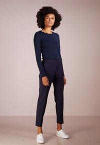J.CREW - SLIM PERFECT  - Bluzka z długim rękawem - navy - 1
