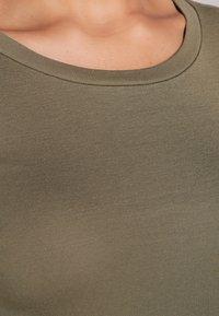 J.CREW - SLIM PERFECT  - Langarmshirt - frosty olive - 4