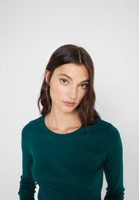 J.CREW - SLIM PERFECT  - Long sleeved top - academic green - 4