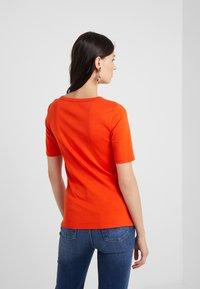 J.CREW - SLIM PEFECT ELBOW SLEEVE TEE - Basic T-shirt - bold red - 2