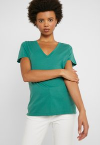 J.CREW - NEW TEE - Basic T-shirt - rugby green - 3