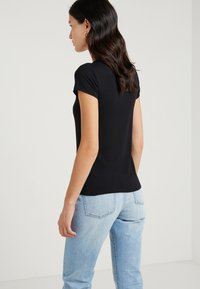 J.CREW - CREW STRETCH SHORT SLEEVE TEE - T-Shirt basic - black - 2