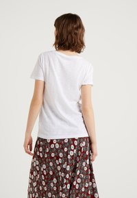 J.CREW - WHISPER CREWNECK TEE - T-shirt basic - white - 2