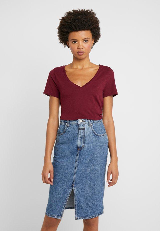 VINTAGE V-NECK TEE - T-shirt basic - vintage burgundy