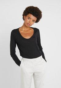 J.CREW - WHISPER SCOOP NECK - T-shirt à manches longues - black - 0