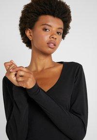 J.CREW - WHISPER SCOOP NECK - T-shirt à manches longues - black - 3