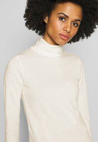 J.CREW - TISSUE TURTLENECK - Long sleeved top - ivory - 5