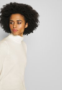 J.CREW - TISSUE TURTLENECK - Long sleeved top - ivory - 3