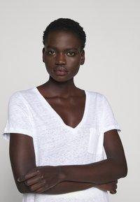J.CREW - V NECK TEE - Basic T-shirt - white - 3