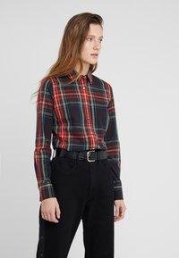 J.CREW - PERFECT IN STEWART PLAID SLIM FIT - Camisa - red/green/multi - 0