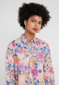 J.CREW - CLASSIC POPOVERT LIBERTY PAVILION - Button-down blouse - pink/multi - 4