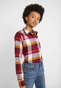 J.CREW - BOY PACEY PLAID - Button-down blouse - burgundy rose - 3