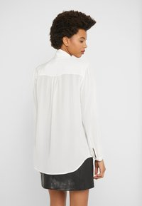 J.CREW - COURTNEY BOW BLOUSE - Button-down blouse - ivory - 2