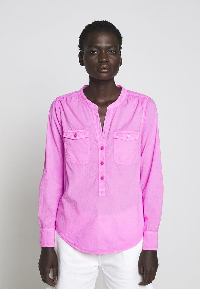 STORM GARMENT DYED - Bluzka - neon flamingo