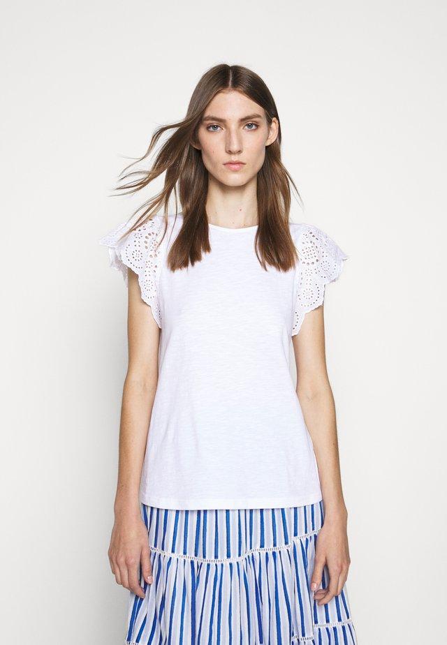 SLUB EYELET FLUTTER SLEEVE TEE - T-Shirt print - white