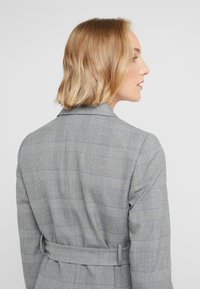 J.CREW - HARRIET BELTED - Blazer - black/blue/ivory - 4
