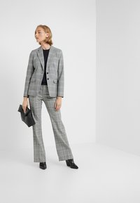 J.CREW - HARRIET BELTED - Blazer - black/blue/ivory