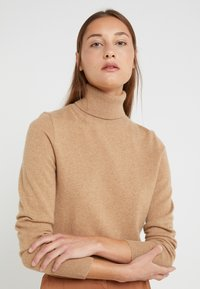 J.CREW - LAYLA TURTLENECK - Svetr - heather camel - 0