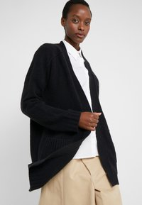 J.CREW - SUPERSOFT OPEN - Gilet - black - 3