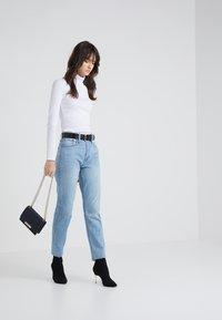 J.CREW - PERFECT FIT TURTLENECK - T-shirt à manches longues - white - 1