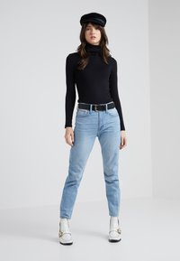 J.CREW - PERFECT FIT TURTLENECK - Topper langermet - black - 1