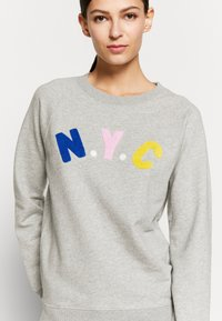 J.CREW - NYC CHENILLE EMBROIDERED - Sweatshirt - grey - 5