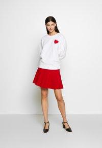 J.CREW - HEART CHENILLE EMBROIDERED - Sweatshirt - white - 1