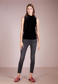J.CREW - LOOKOUT CANDIANI PENWOOD  - Slim fit jeans - charcoal wash - 1