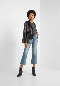 J.CREW - POINT SUR KICKOUT CROP  - Flared jeans - faded blue wash - 1